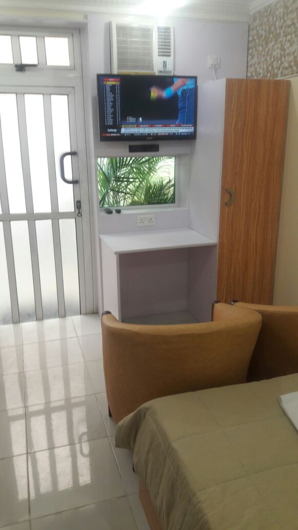 IKOYI FAIRVIEW – MID SIZED STUDIO 88 WITH DEDICATED EXTERNAL PATIO – GROUND FLOOR